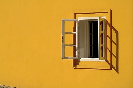 Window yellow2